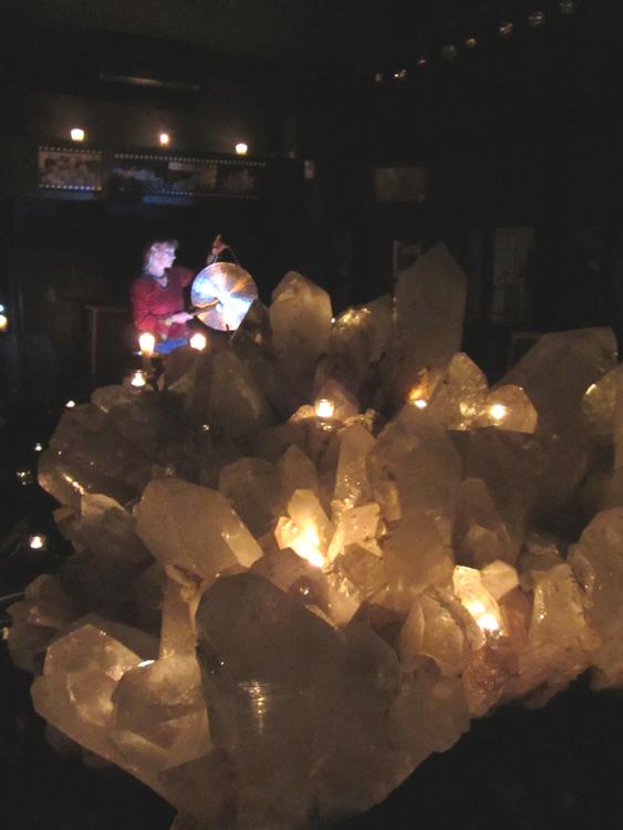 Klangmeditation im Kristallmuseum